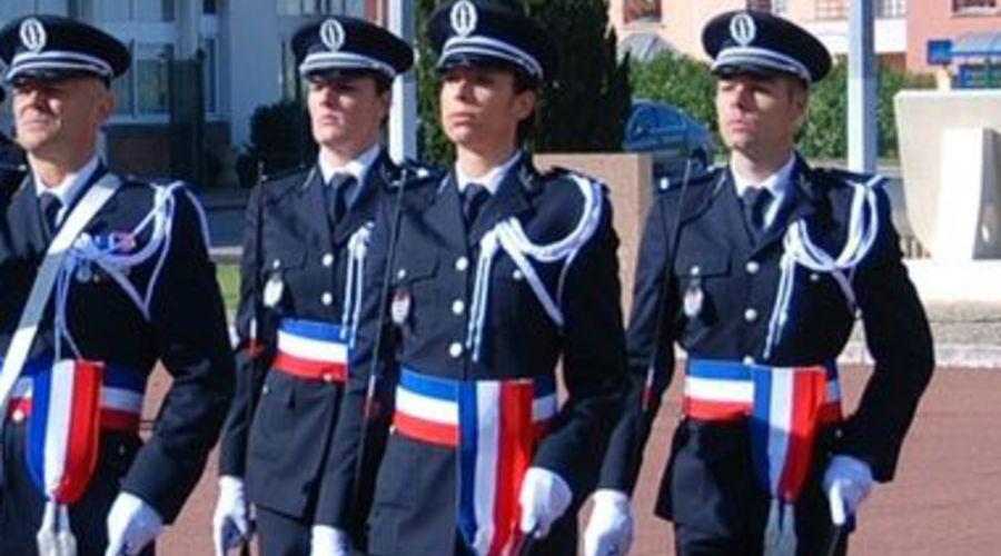 Officier de la police nationale fiche m tier emploipublic - Grille indiciaire commissaire de police ...